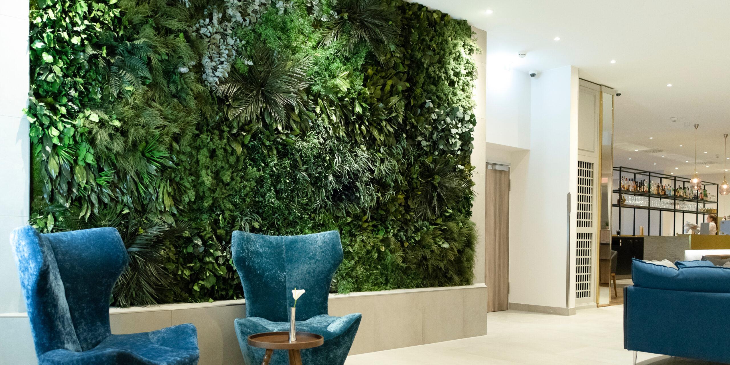 NATURADOR Dschungelwand in Lobby im Hotel